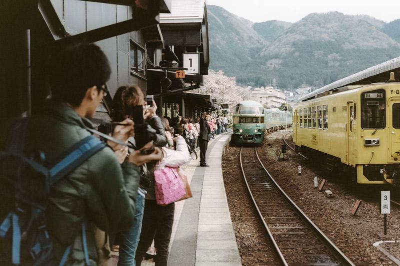 Tomasz Wagner, Kyushu Railway Company, Traveling Around Kyushu, Japanese Transportation