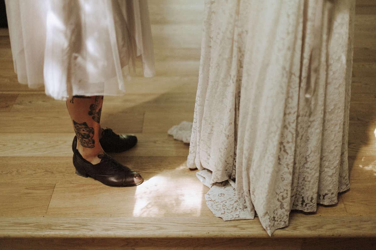 truvelle bridal taylor dress detail