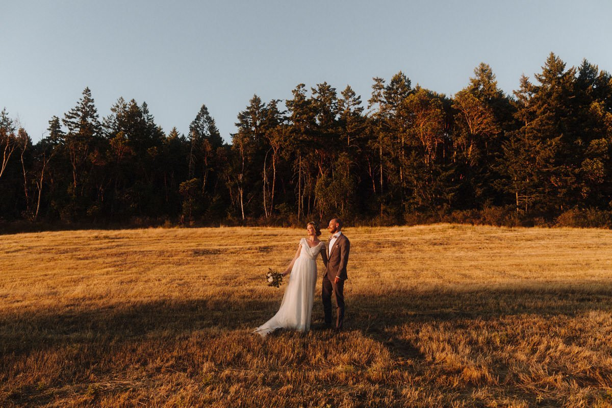 intimate saltspring island weddings