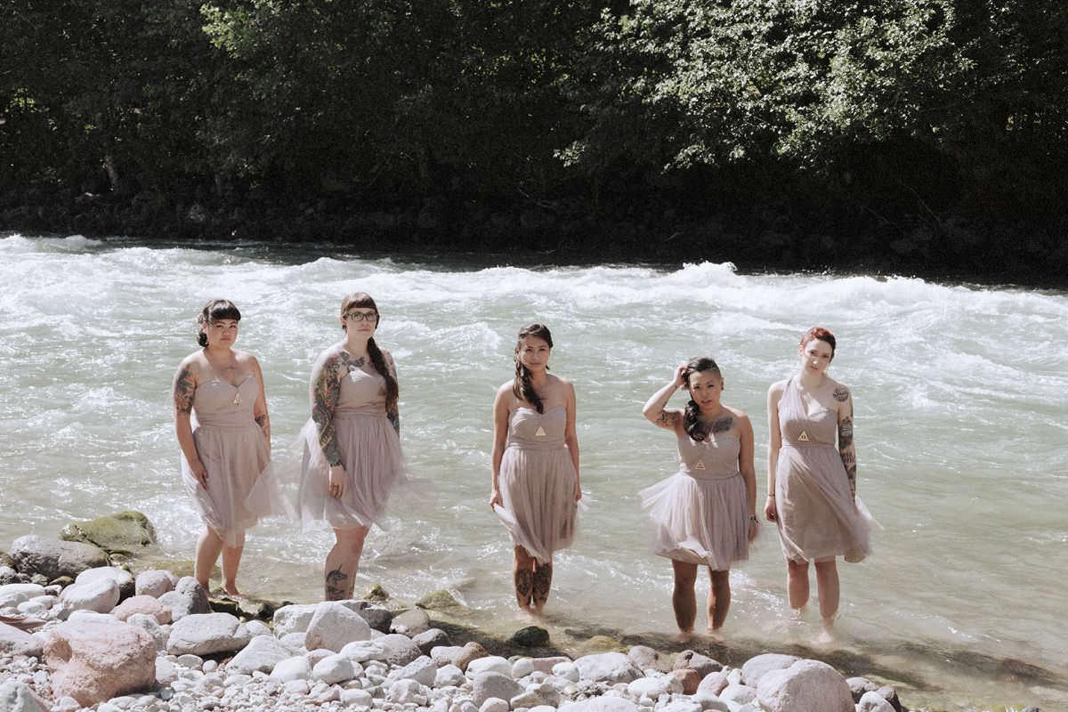 creekside wedding squamish