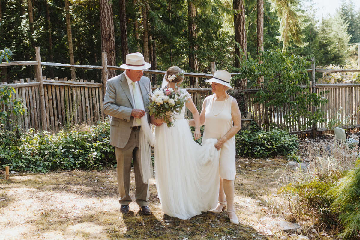backyard weddings gulf islands