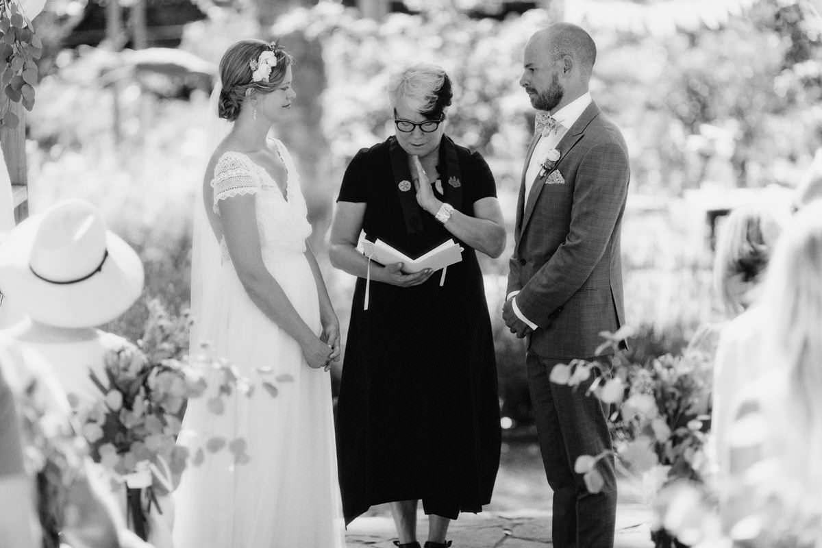 gulf islands wedding officiants