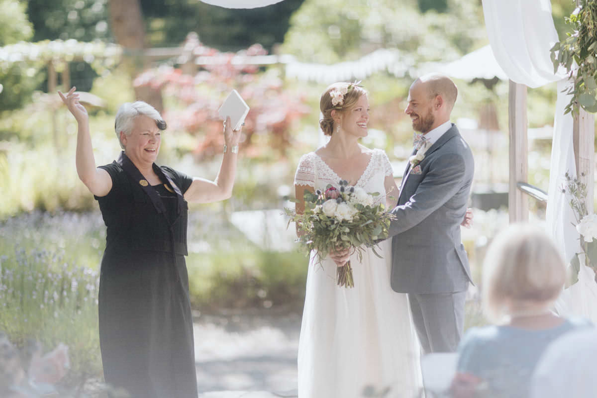 hornby island wedding candids